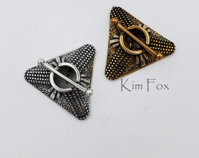 KF209 Triangle Toggle with Arte Deco Pattern in Golden Bronze or sterling silver by Kim Fox - 2 links