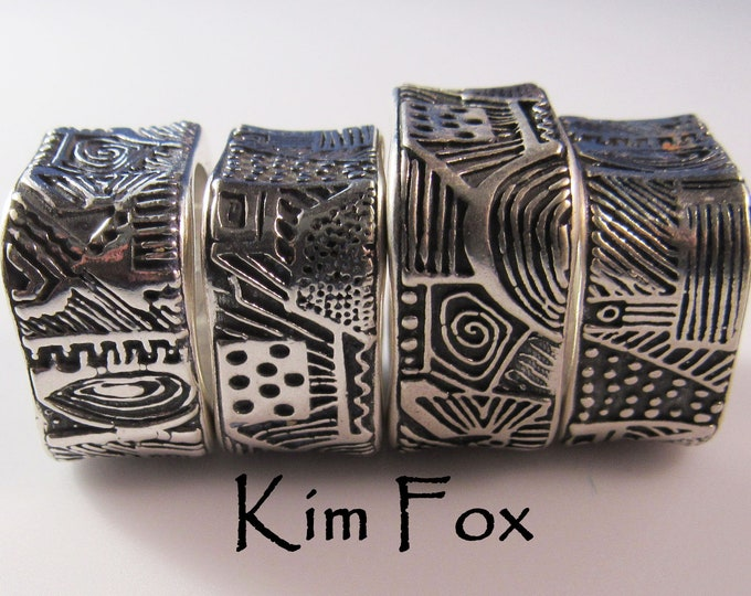 KFR301 New Doodle or Zentangle Rounded Rectangle Ring designed by Kim Fox in Sterling Silver
