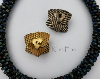 KFC215 Pumpkin leaf magnetic clasp in golden and white bronze with 3 loops suitable for single and multistrand necklaces by Kim Fox