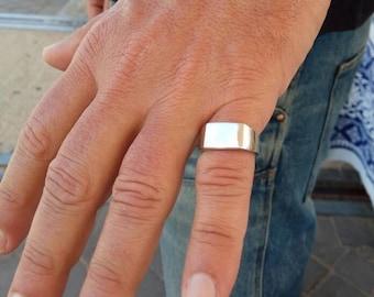 bague or petit doigt homme