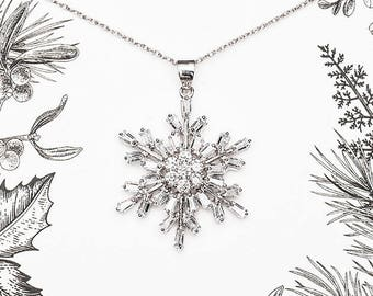 Snowflake Necklace - Christmas Necklace in Silver Crystal, Christmas Jewelry and Christmas Gift, Winter Necklace, Christmas Pendant - Aria