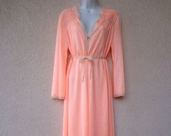 1970s Long NIGHTGOWN & PEIGNOIR SET. Nylon Nightgown and Robe. Silky Nylon Nightgown. Crochet Lace Trim. Peach Nightgown and Peignoir. M L