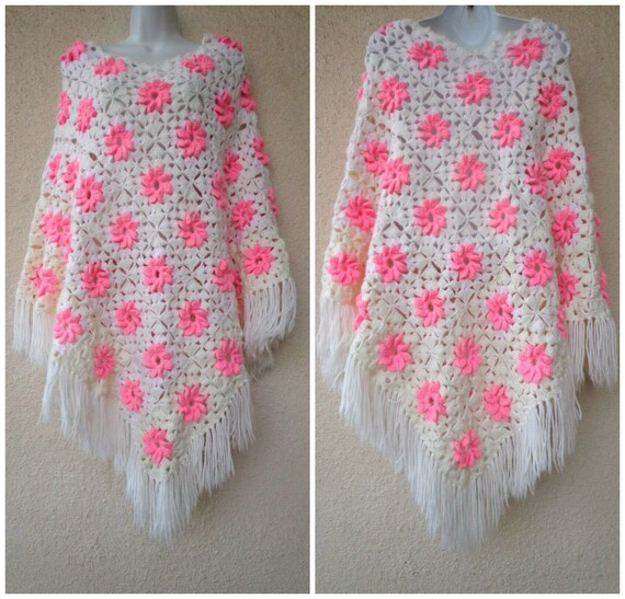 1970s Hand Crocheted GRANNY SQUARE PONCHO in Pink