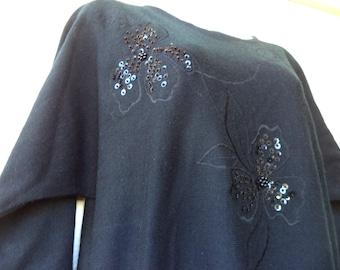 1980s SWEATER. Slouchy Sweater. Vintage Jumper. Batwing Sweater. Oversized Sweater. Dolman Sleeve Sweater. Black Sweater. Beaded Flowers