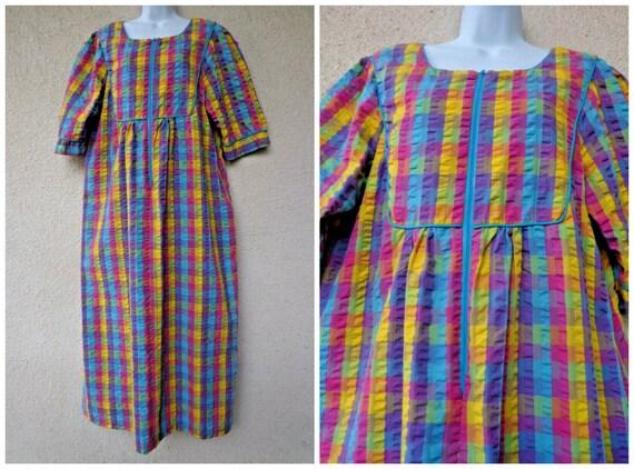 Vintage Saybury Seersucker Caftan // House Dress /