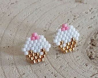 Cupcakes seed bead posts