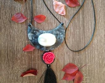 Half moon simple cord necklace