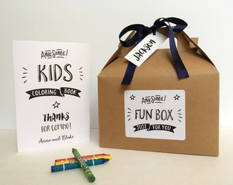 Personalized children wedding activity box / Wedding reception kids table / Wedding coloring book / kids wedding table - Set of 6