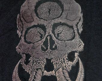 TUSK SEER - T-shirt - Skull illustration, discharge, horns, all seeing eye, third eye, skeleton, metal, illustration, doom, artwork, black