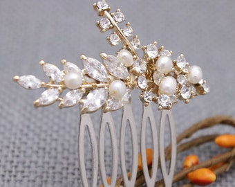Wedding hair comb vintage style Bridal hair pins Pearl hair comb Wedding hair accessories Gold Bridal hair clip Wedding bobby pin Bridesmaid