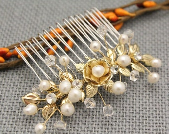 wedding hair comb gold Crystal and pearl hair comb Wedding hair pins Bridal hair clip Wedding comb Vintage style Bridal hair jewelry Prom