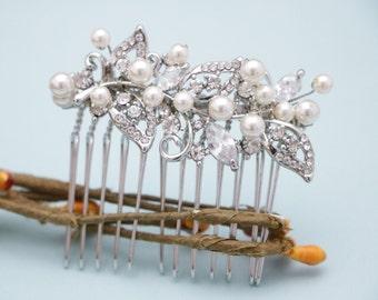 Bridal hair comb Small Wedding hair comb Pearl hair piece Wedding comb Vintage style Bridal comb Rhinestone hair pins Wedding hair clip Prom