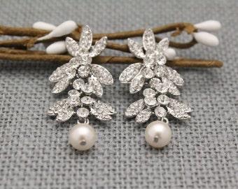Wedding earring Chandelier Bridal earring Pearl drop earring Bridesmaid earring Rose gold Rhinestone earrings bridal Crystal earrings Silver