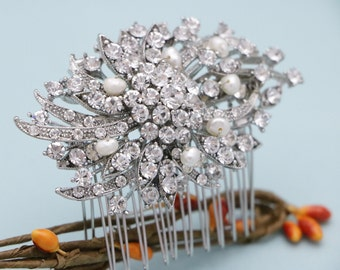 bridal hair comb pearl hair comb Wedding hair accessories Vintage style Wedding hairpiece Bridal comb Bridesmaid hair comb Crystal hair comb