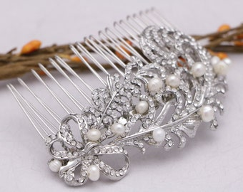 wedding hair comb pearl hair clips Swarovski Crystal Bridal hair comb Wedding hair jewelry Bridal headpiece Wedding comb Vintage style Prom