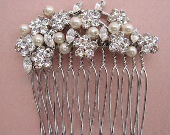 Bridal hair combs crystal and pearl Wedding hair comb Bridal hair accessories Wedding comb Rhinestone hair comb Bridal comb Boho hair piece