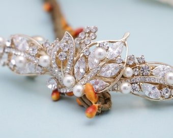 wedding hair barrette with pearls Bridal hair comb clip Crystal hair barrette Gold Wedding hair clip Bridal hair jewelry Bridal hair comb