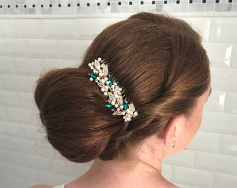 Rhinestone hair accessories,Emerald crystal bridal comb,Gold Hair accessories,Pearl hair comb,Vintage inspired Wedding comb,Crystal haircomb