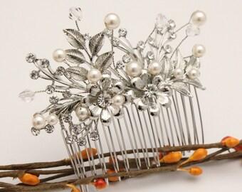 Wedding hair comb,Pearl hair comb,Bridal hair accessories,Bridal hair comb,Vintage inspired Wedding comb Floral,Bridal comb,Boho hair vine