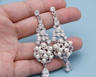 Silver crystal and pearl bridal earrings,drop earrings,wedding earrings,wedding jewellery,bridesmaid earrings,bridesmaid gift,Prom earrings