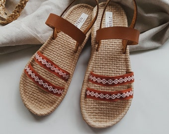 71c3d818a Brown Leather Shoes Women s Gladiator Sandals Flat Shoes Flip Flops Style  Simple Natural Style Brown Leather Sandals EVA Foam Boho