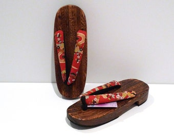 46858a4256f Japanese Wooden Sandals with Floral Print Kimono Fabric Vintage Geta Wood Sandals  Geisha Cosplay Between The Toe V Shape Sandals Flip flops