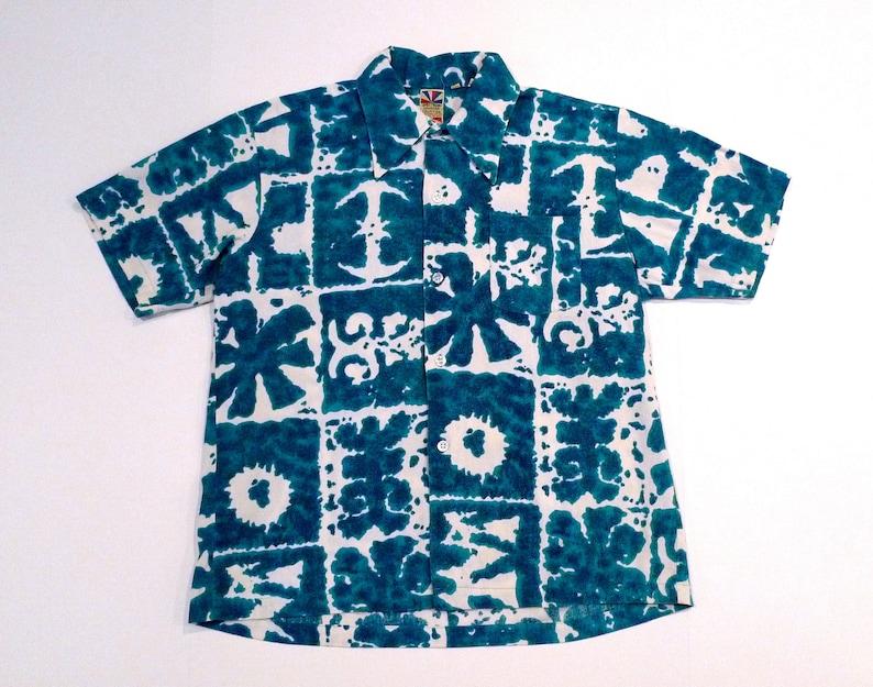 67ab5c66 Blue and White Hawaiian Shirt 1960s Vintage Geometric Print | Etsy