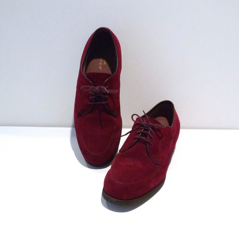 29aa29f4c38a Hush Puppies Shoes Mens Size 8.5 1990s Vintage Burgundy Dark