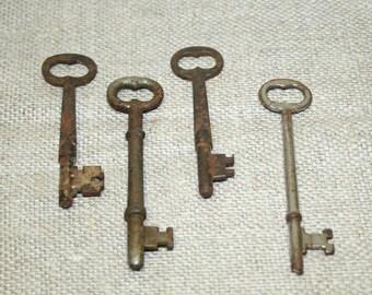 Vintage SKELETON Keys, Found Objects, Rustic Primitive