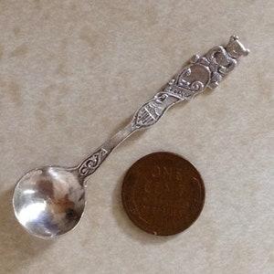 Rare sterling silver Richard Dimes ornate open salt spoon gilt bowl exceptional