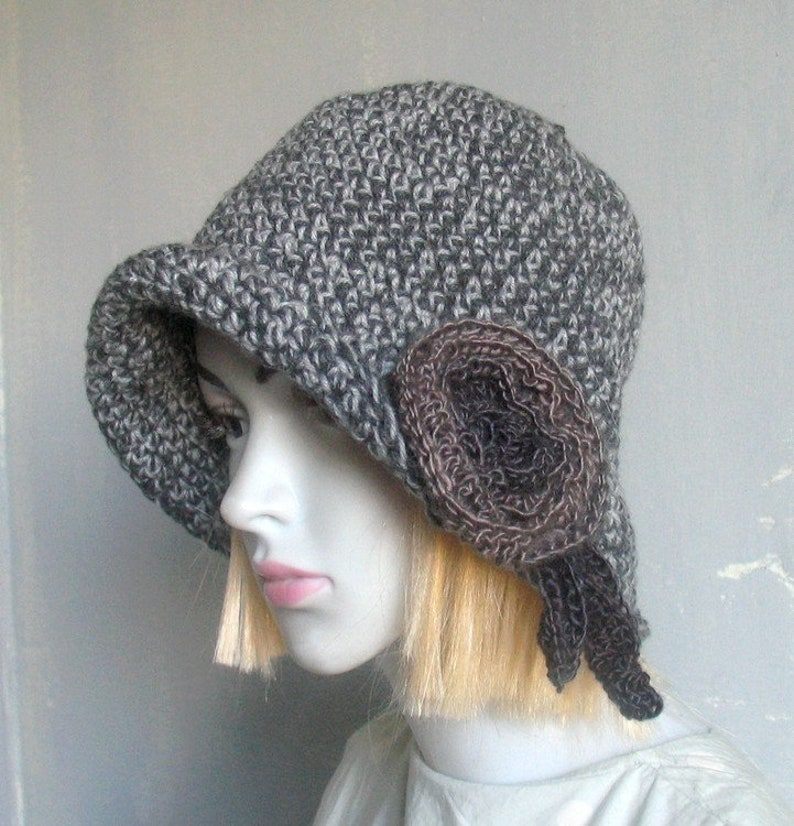 0d87261c69a26 Flapper Hat Women 1920s Cloche Hat Winter Hat Flower Hat   Etsy