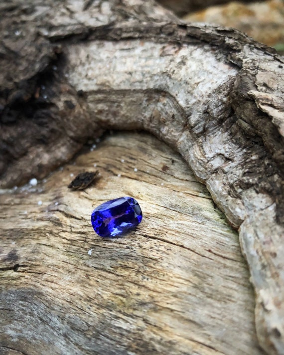 3.64ct Oval Tanzanite
