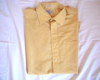 17394bcc631c2 Vintage Men s 1960s Chartreuse Shirt By Hathaway from Egerton   Moore St.  Petersburg