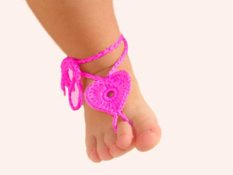 2ffac21386b4c3 2 pairs Baby Heart Barefoot sandals Kids leg accessory Foot