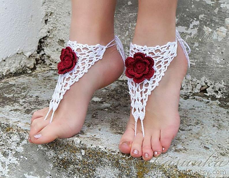 Hecho a mano de ganchillo blanco descalzo sandalias con 3D  884f43545064