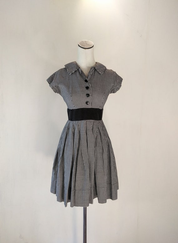 1950s Cute Black & White Gingham Summer Dress
