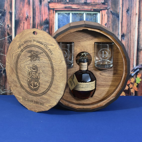 Whiskey Spirits Liquor Gift Barrel with Personalized Drink Glasses
