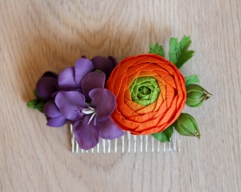 Comb with ranunculus and freesias, freesia blossom comb, polymer clay comb, polymer clay flowers, violet freezias, cold porcelain