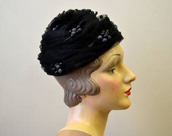 1950s Black Berries and Tulle Hat