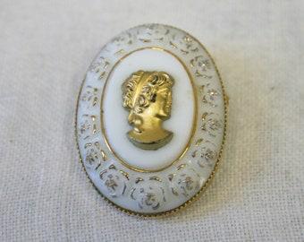 Vintage Cameo Jewelry Large Cameo Pin 1960s Cameo Brooch Sixties Tortoiseshell Glass /& Brass Filigree Brooch Retro Costume Jewelry