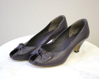 a82b343b613 1980s Candie s Purple Peep Toe Heels