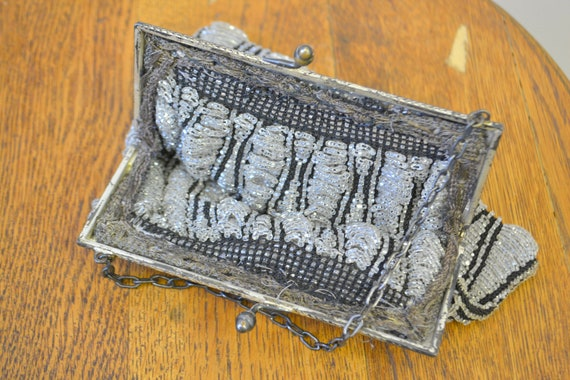 1920s/30s Clear and Black Beaded Purse - image 9