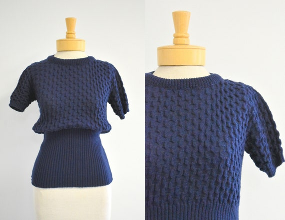 1970s-does-1930s Navy Textured Short Sleeve Sweate