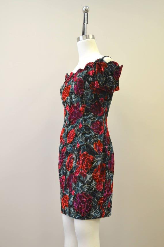 1980s Rose Print Velvet Mini Dress - image 4