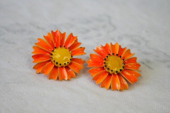 1960s Orange Daisy Clip Earrings