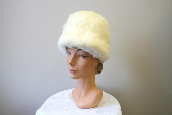 1960s White Rabbit Fur Hat - image 2