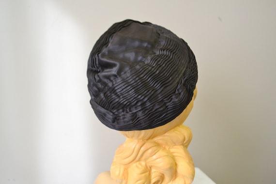 1930s Jean Patou Reproduction Satin Hat - image 4