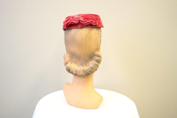 1950s Pink Velvet Ring Hat - image 3