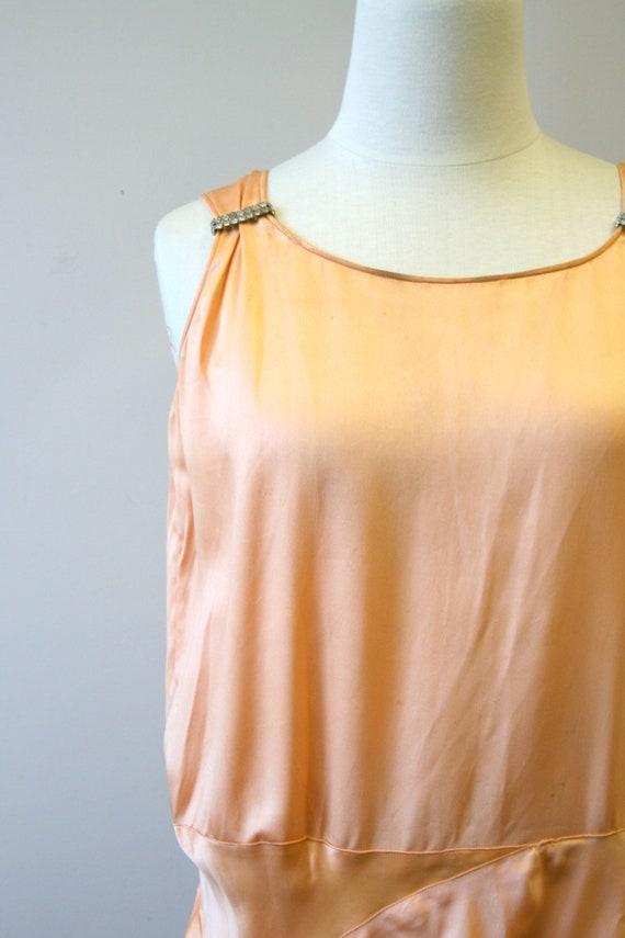 1920s/30s Peach Satin Drop Waist Evening Dress - image 2