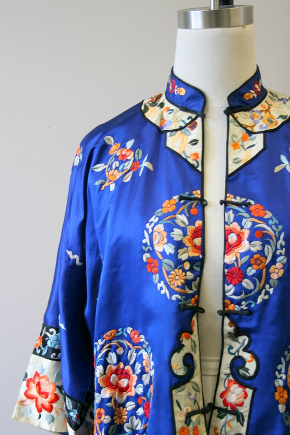 1930s Embroidered Chinese Blue Silk Jacket - image 2